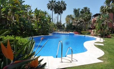 Puerto Banus – moderne und luxuriöse zwei-Zimmer-Wohnung