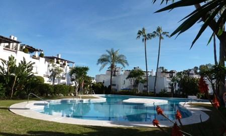 San Pedro Beach – moderna och lyxiga tre sovrum radhus
