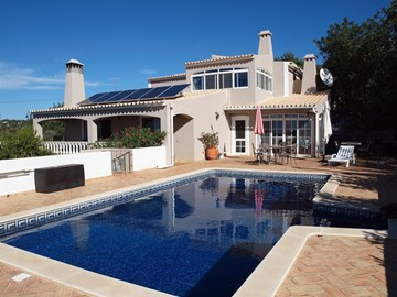 Beautiful 4 Bedroom Villa in a Country Setting