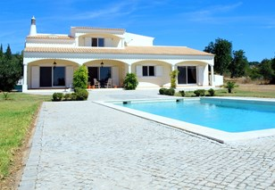 4 Bedroom Villa with in a Pretty Country Setting
