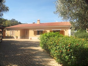 Beautifully Presented Villa in the Countryside