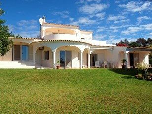 Beautiful Villa with Glorious Sea Views.