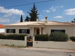 3 Bedroom Villa walking distance to Bordeira