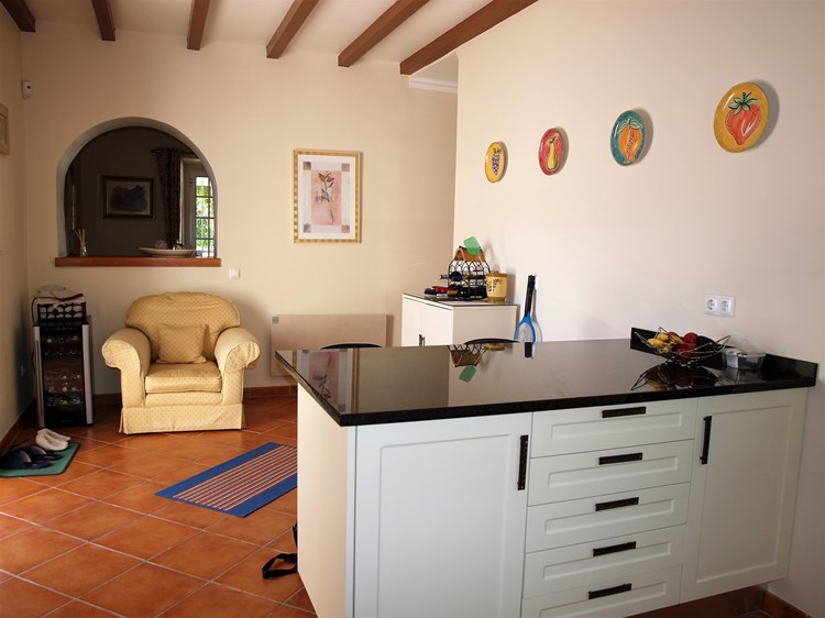 Lovingly Renovated 3 Bedroom Cottage in the Countryside