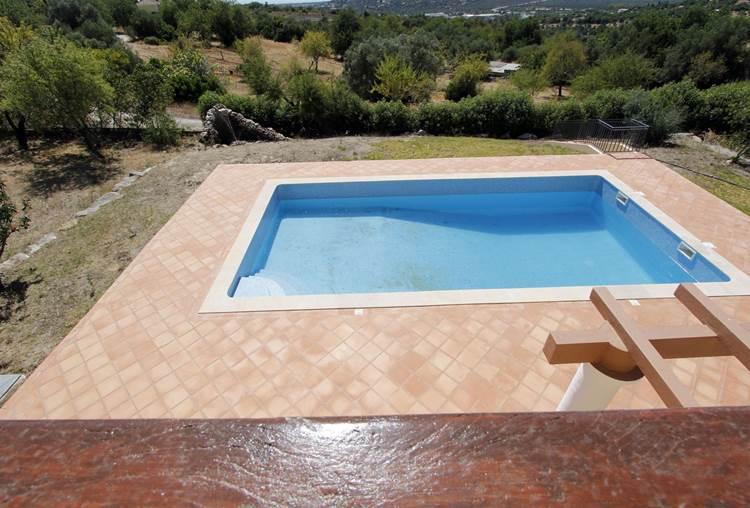 Lussuosa Villa da sogno V4 con piscina riscaldata, vista mare e Sierra situata a Loulé,