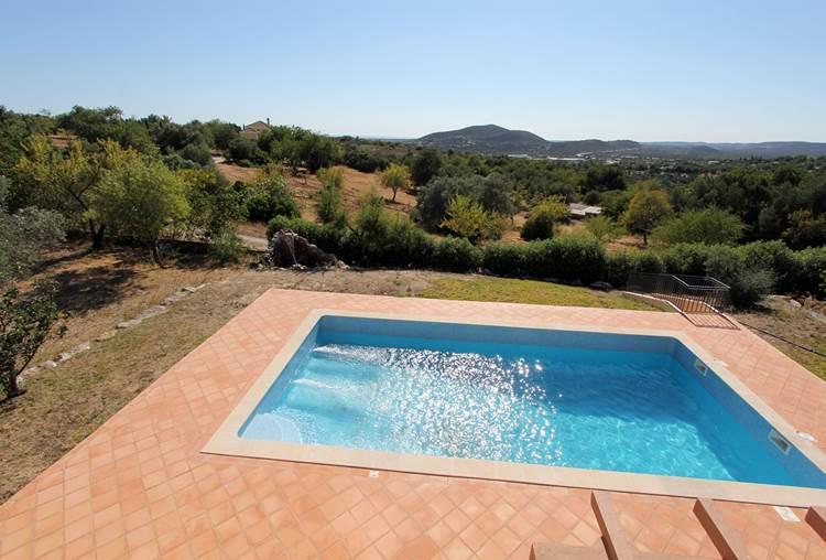 Luxueuse Villa F5 de rêve avec piscine chauffée, vue mer et campagne située à Loulé