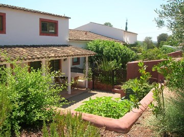 Wonderful Property for sale Tavira set in stunning valley.