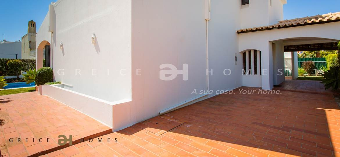 4 BEDROOMS VILLA FOR HOLIDAYS IN VILAMOURA/QUARTEIRA - Greice Homes