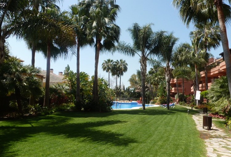 Puerto Banus – LUXURY holiday apartment in private and exclusive development at Puerto Banus