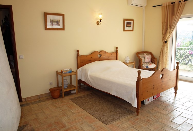 Villa for Sale Traditional Sao Bras de Alportel Bedroom