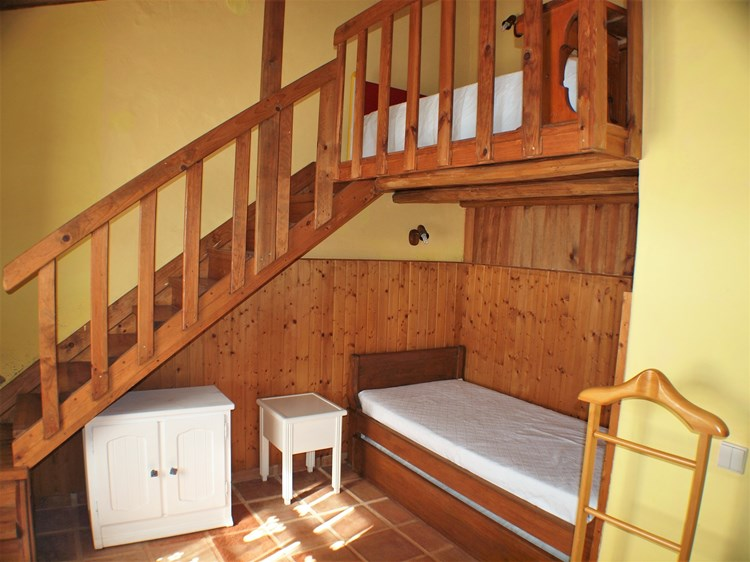 Beautifully Restored Farmhouse with 4 Independent Guest Suites