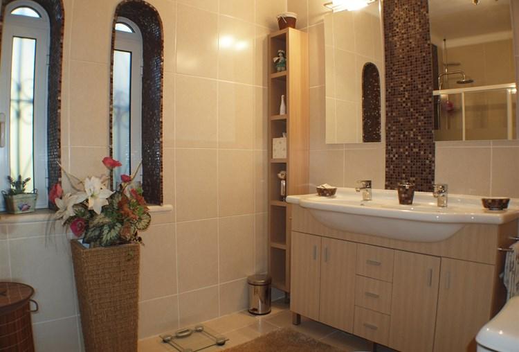 Villa for Sale Sao Bras de Alportel Bathroom