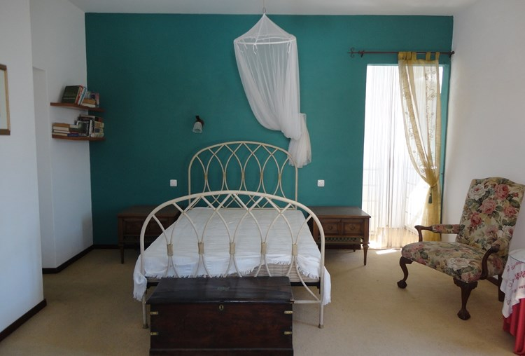 Townhouse for Sale Sao Bras de Alportel Renovated Bedroom