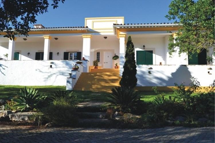 Villa for Sale Sao Bras de Alportel Traditional Annex Garden