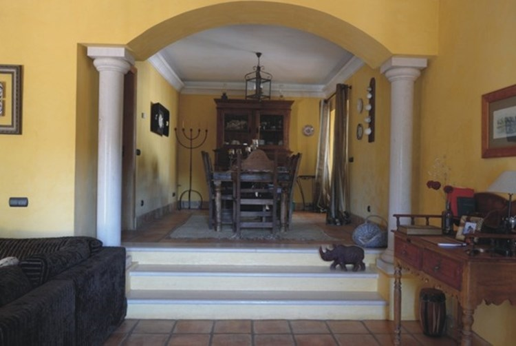 Traditional Villa for Sale Sao Bras de Alportel Annex Hallway