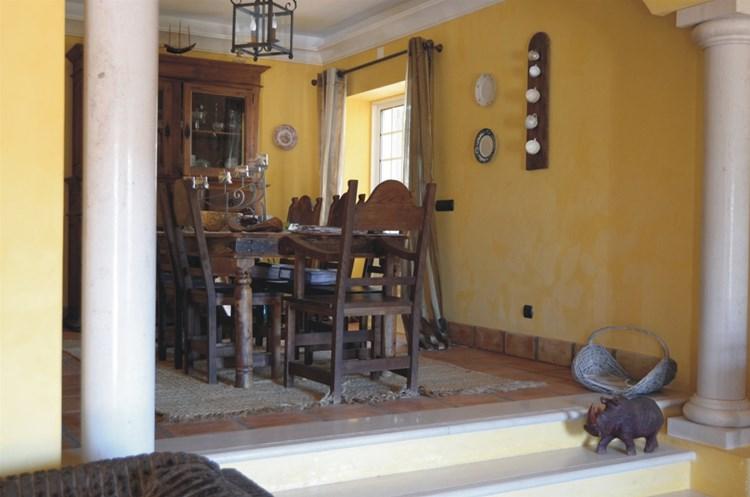 Villa for Sale Sao Bras de Alprtel Traditional Annex Dining Area