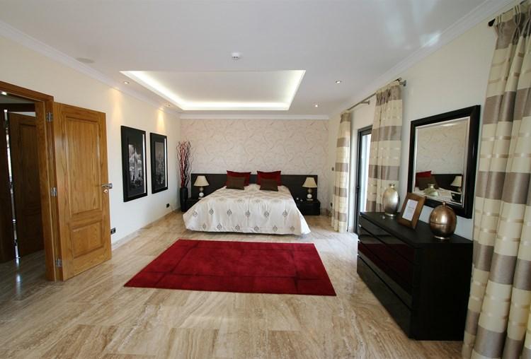 Villa for Sale Sao Bras de Alportel Bedroom Modern