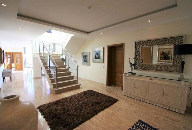 Villa de fabuloso, excelente qualidade, com belas vistas