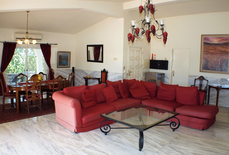Villa for Sale Santa Barbara de Nexe Lounge Dining Area