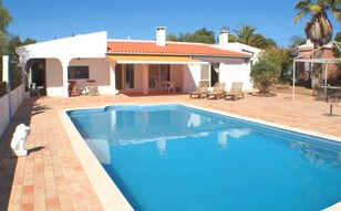 Spacious Family Villa with Versatile Living Accommodation