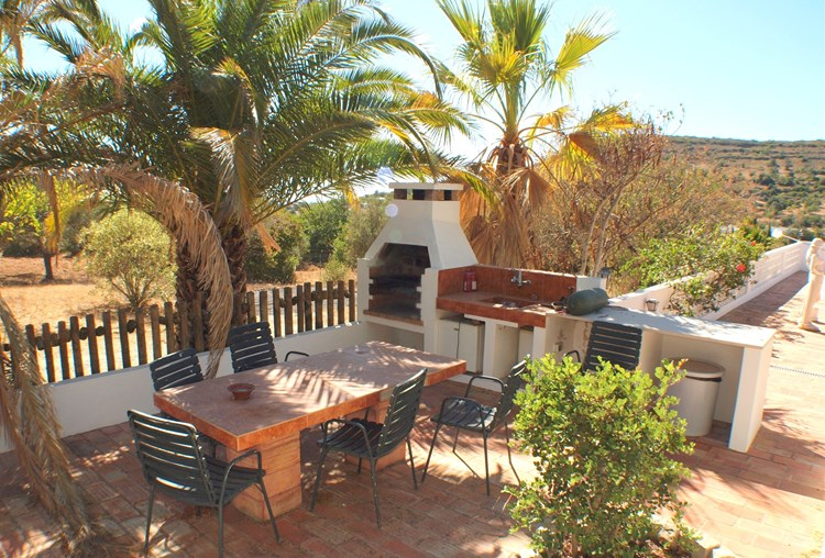 Villa for Sale Santa Barbara de Nexe Dining BBQ Terrace