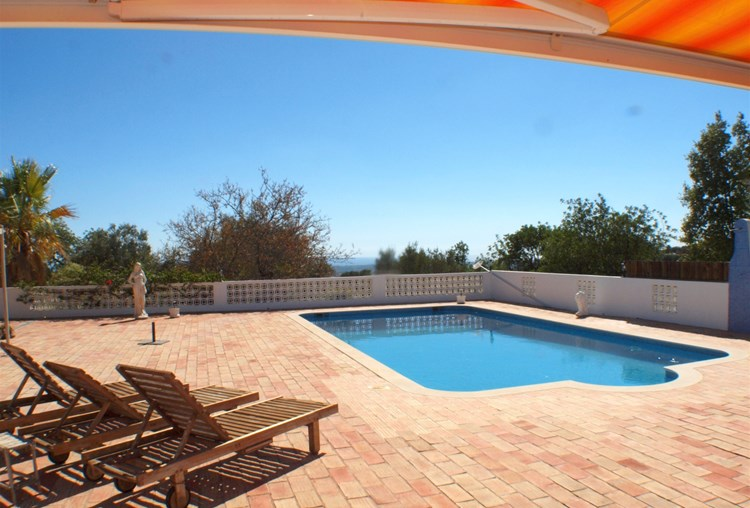 Villa for Sale Santa Barbara de Nexe Terrace Swimming Pool