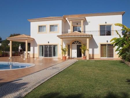 Luxury Villa in a Prestigious Location