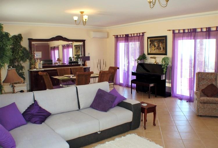 4 slaapkamer Villa met land & uitzicht op de Oceaan