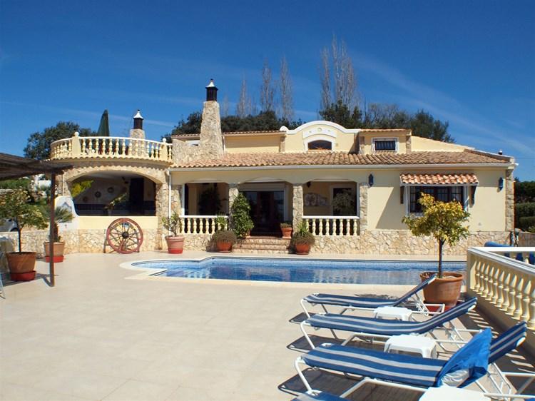 Villa for Sale Santa Barbara de Nexe Swimming Pool Roof Terrace