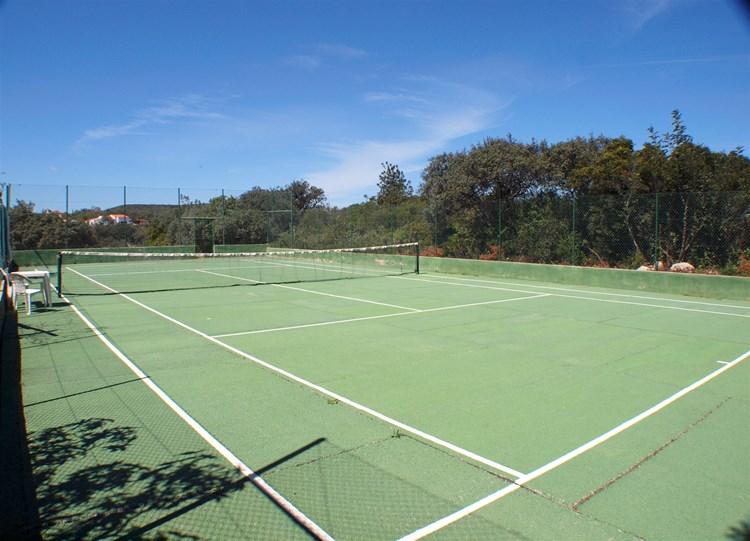 Villa for Sale Santa Barbara de Nexe Tennis Court