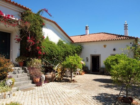 Traditional Quinta with Guest House Potential