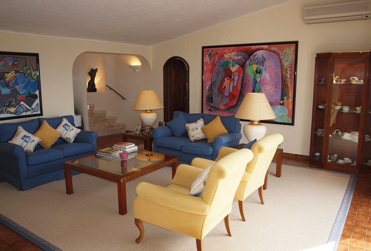 Villa for Sale Santa Barbara de Nexe Lounge