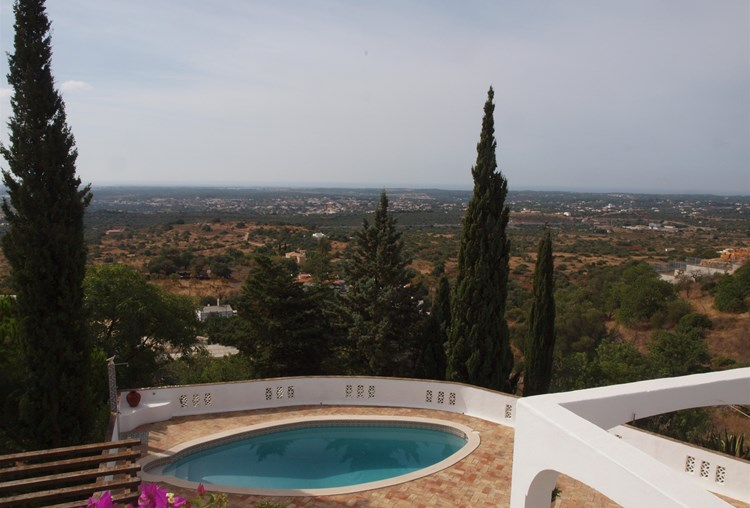 Villa for Sale Santa Barbara de Nexe Swimming Pool Terrace Views