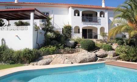 Stunning 5 Bedroom Villa with Independent Guest Suite